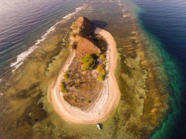 Wisata Pulau Ponteng & Baling Baling di Tumbak