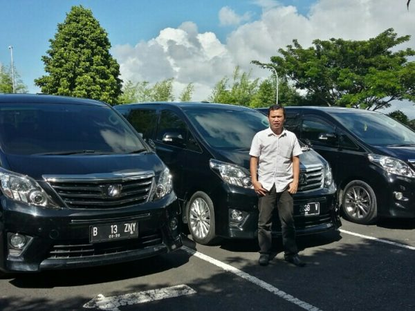 Rental Mobil Alphard Manado