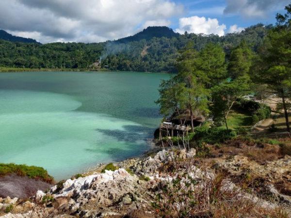 Tomohon, Danau Tiga Warna dan Kebun Bunga