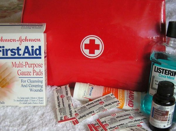 P3K Wajib, Jangan Liburan Tanpa 8 Obat Ini