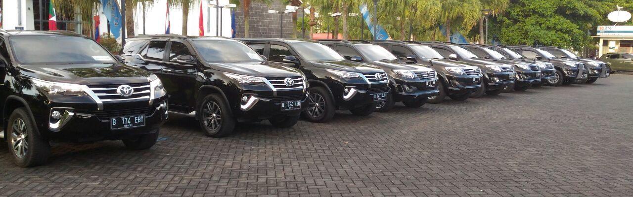 Explore Sulawesi Utara dengan Rental Mobil Manado